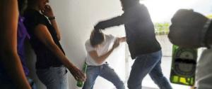 Terrore a Pistoia: giovani albanesi assediano la scuola per picchiare un minore. Sputi e botte al preside