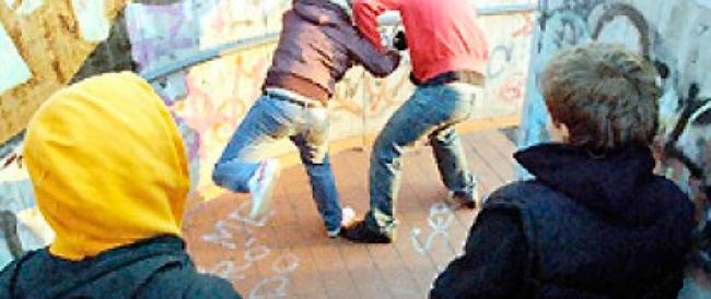 Bologna, in azione le baby gang: otto minorenni denunciati per l'aggressione a un 93enne
