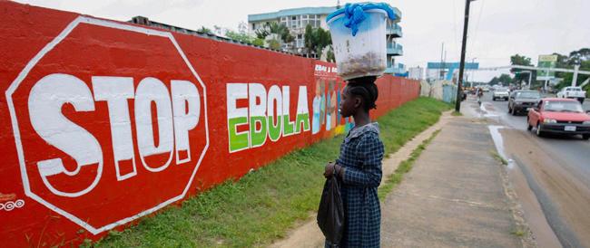 Ebola adesso spaventa l'America: vertice alla Casa Bianca con Obama