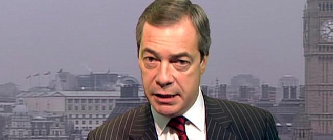 Farage: «Blindare i confini, gli immigrati ci tolgono ricchezza»