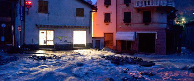 Genova come nel 2011 travolta dal fango e dalle polemiche. Nel cassetto 36 milioni mai usati per la sicurezza