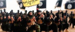 Kobane sotto assedio. Ankara chiede la no fly zone e avverte: «Non agiremo da soli»