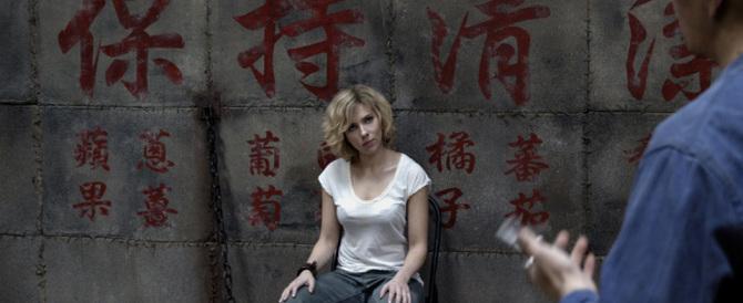 """Per superare la crisi il cinema va in Cina con """"Lucy"""""""