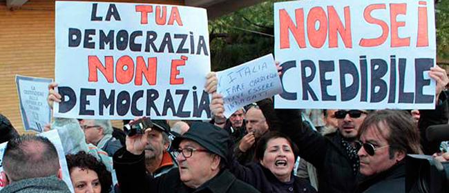 """""""Buffone, vattene a casa"""": il malessere nei confronti di Renzi c'è e comincia a vedersi. Non solo in piazza"""