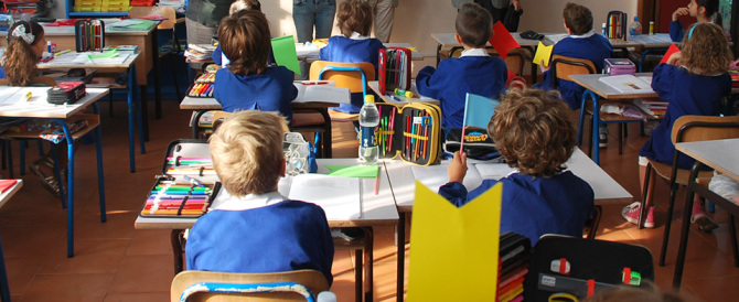 Un'altra maestra in manette: schiaffoni e sculacciate a bambini di tre anni