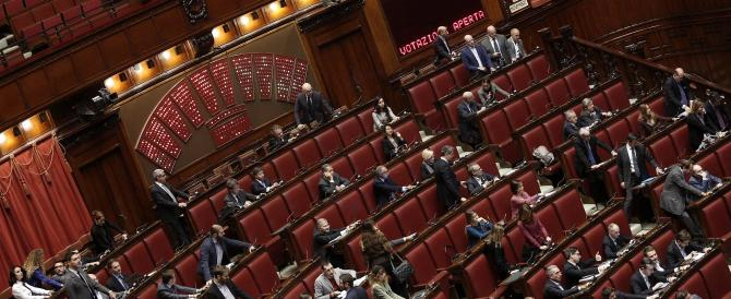 """Jobs Act, primi """"no"""" nel Pd. In 17 fanno tremare Renzi, ecco chi sono"""