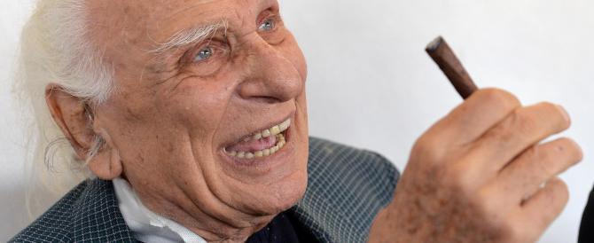 Anche Pannella cede al fascino di Papa Francesco: vuole convertirsi