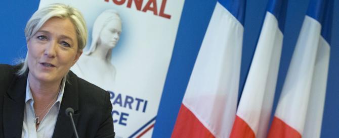 Una banca russa finanzia Marine Le Pen. E la sinistra si scandalizza