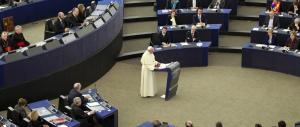 Bergoglio all'attacco dell'Europa dei banchieri: ecco i 4 moniti del Papa