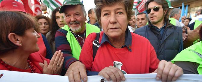 """Statali in piazza, la Camusso """"punge"""" Renzi con un'altra t-shirt velenosa…."""