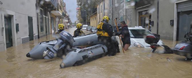 Carrara, sotto accusa un argine costruito male. Ma non i politici Pd…