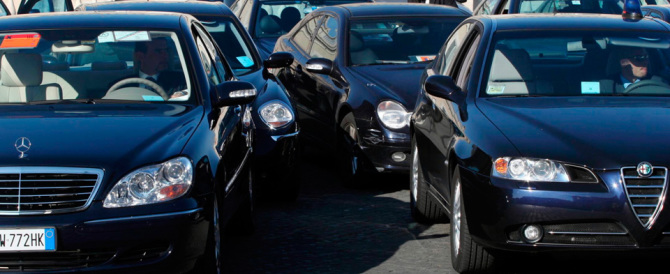"In Liguria stop alle auto blu, sì ai ""furgoni blu"": è la beffa di Burlando"