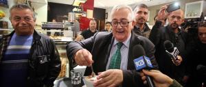 Tor Sapienza, Borghezio non incendia gli animi ma beve un cappuccino