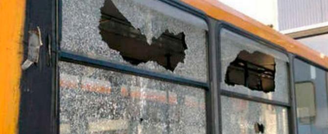 """Un altro modo di """"essere migrante"""": fare violenze sugli autobus"""