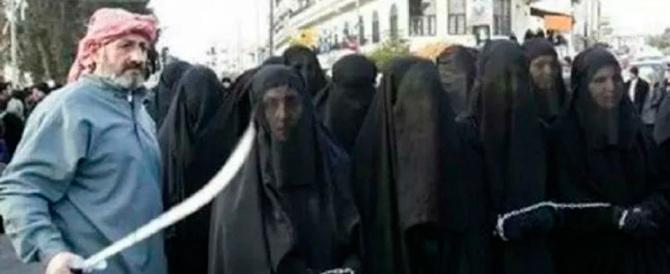 Video-choc: ecco come i miliziani islamici vendono le donne al mercato