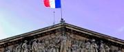 Macron parte in vantaggio, ma l'ultima parola spetta al popolo. Non ai mercati