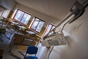 Raid in scuola occupata a Napoli, danni per 200 mila euro