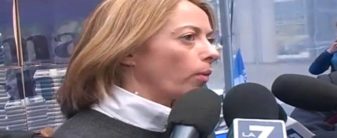 Giorgia Meloni: «Buttiamo giù il Muro di questa Europa di burocrati» (video)
