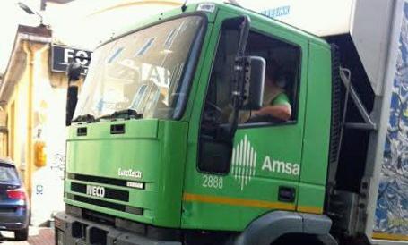 Allarme fascismo a Milano: avvistate foto del Duce su un camion dei rifiuti…