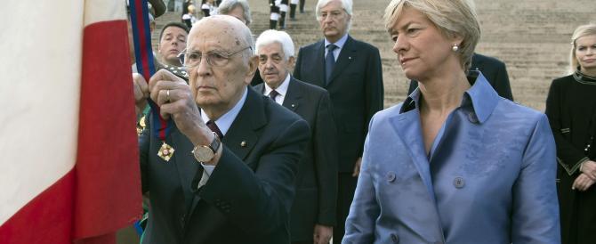 Napolitano lancia l'allarme: centri sociali e islamisti minacciano l'Italia