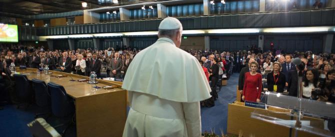 Innalzata la protezione per il Papa: la minaccia arriva dai droni dell'Isis