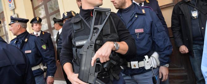 """Isis, retata a Parigi: in manette un """"esercito"""" di 200 terroristi"""