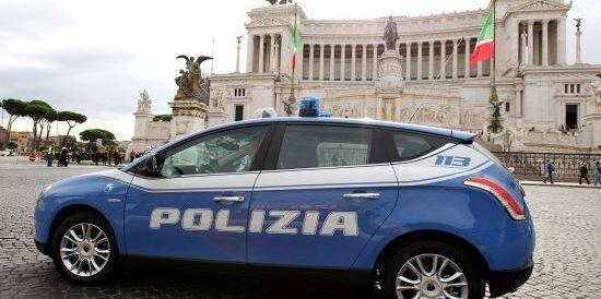 Le nuove auto della polizia sono hi-tech e col tricolore. Ecco la foto-gallery