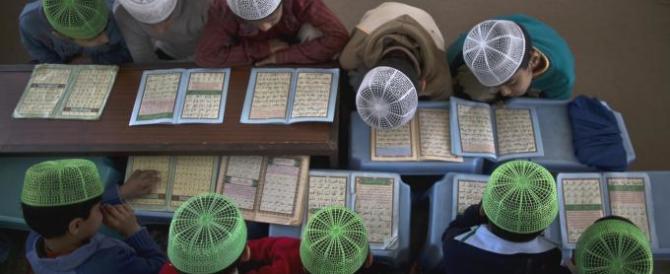 L'Isis impone la sharia a scuola: non si studiano arte, musica e filosofia