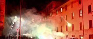 «Premiamo il poliziotto insultato durante lo sgombero a Milano»