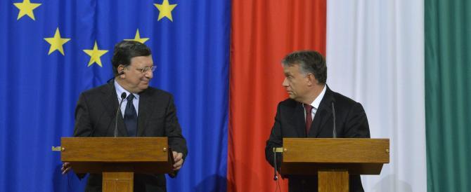 """Ungheria, il """"cattivo"""" Orban avrebbe bruciato la bandiera europea…"""