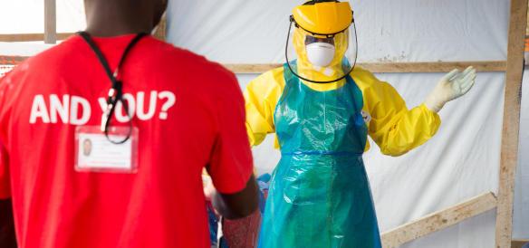 Ebola, in arrivo a Roma un medico italiano contagiato in Sierra Leone