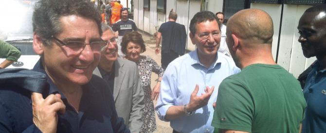 Mafia, Marino si indigna ma a Buzzi regalò il primo stipendio da sindaco…