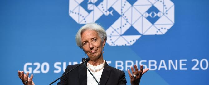 """Crollo del petrolio: secondo la Lagarde è una """"manna"""" per l'economia globale"""