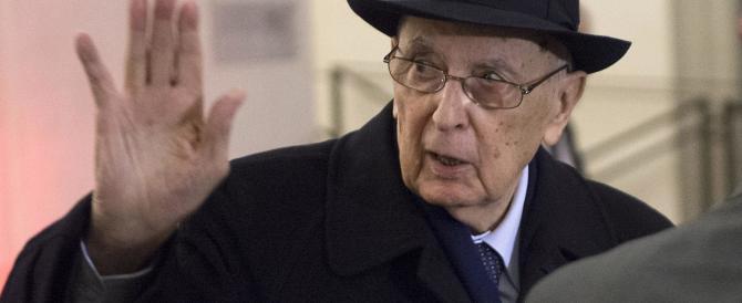 Napolitano, dai vescovi una replica: eversori sono i politici corrotti