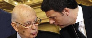 Napolitano prende per mano Renzi: «Se resta l'Italicum vai a sbattere»