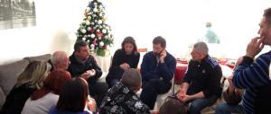 """Tor Sapienza, i pranzi """"beffa"""" non bastano: romani ancora in piazza"""