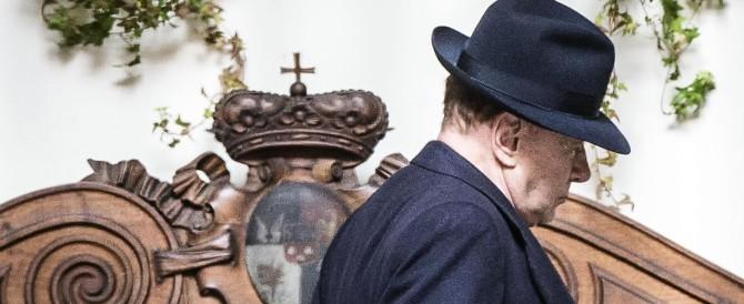 Berlusconi ai senatori: «Possiamo vincere». Ma il tesseramento non decolla