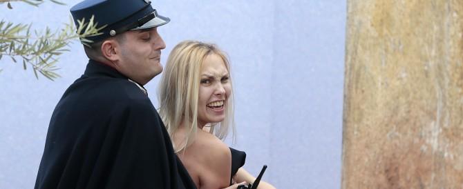 Femen subito scarcerata, ma a San Pietro non potrà più mettere piede