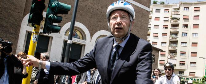 Ignazio prova a restare in sella. Ma parlare di bici e piste non basta…