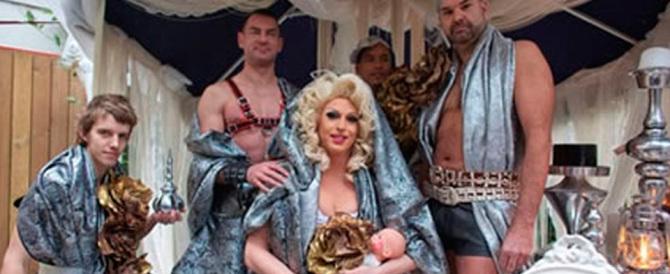 San Giuseppe gay, i pastori gay, le luci massoniche: ma che Natale è?