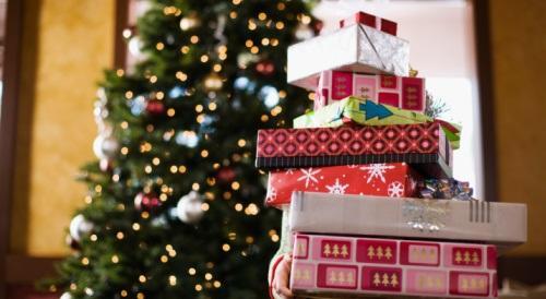 I cinque consigli degli psicologi per non sbagliare i regali di Natale