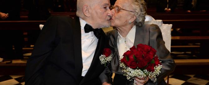 Lontani per 70 anni, si ritrovano su Facebook e si sposano