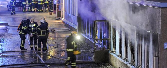Svezia, ancora fiamme in moschea. Cresce l'intolleranza anti-islam