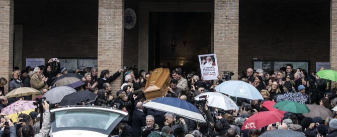 In tanti per l'ultimo saluto a Virna Lisi, la diva che snobbò Hollywood