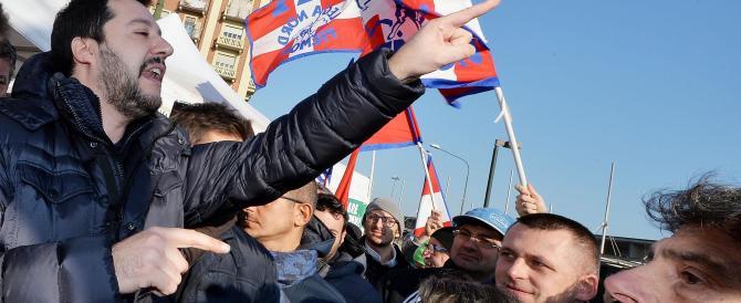 Immigrazione, Salvini attacca Renzi: è complice di quel che accadrà