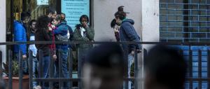 C'è la crisi ma paghiamo una pensione di 500 euro a 56mila immigrati