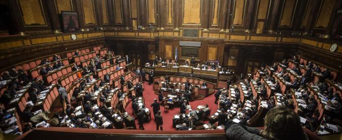 """""""Sì"""" del Senato ai capilista bloccati. Ko i dissidenti di Pd e Forza Italia"""