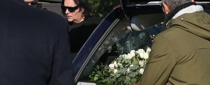 """""""Ai funerali di Pino Daniele governo assente"""". L'ira di Bassolino"""