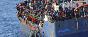 Cargo con 400 profughi siriani alla deriva verso le Calabria