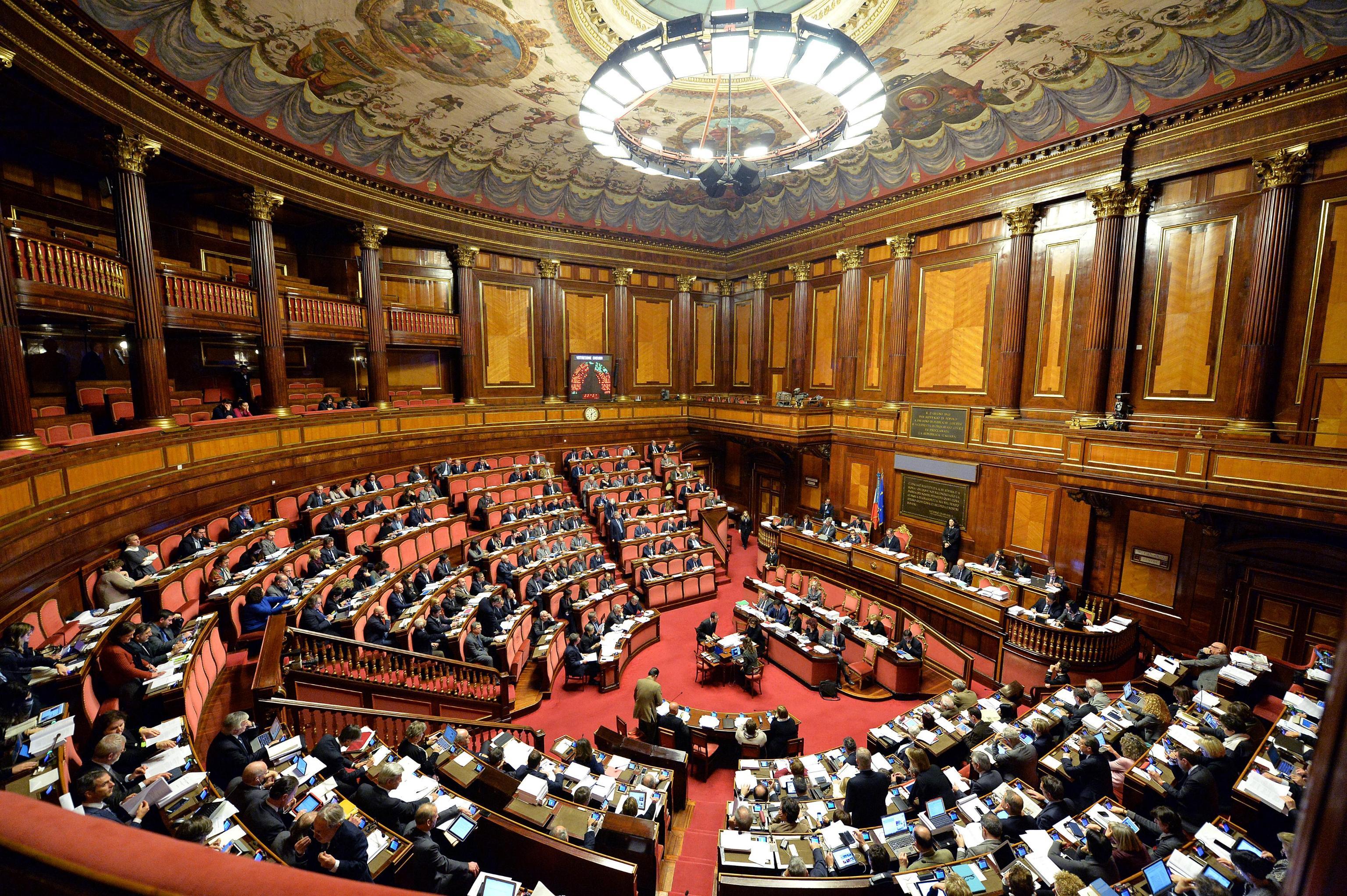 Approvato l 39 italicum bagarre delle opposizioni al for Senato repubblica
